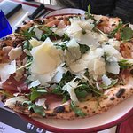 san Daniele prosciutto, rocket and shaved parmesan pizza