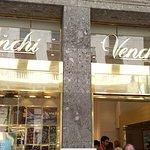 صورة فوتوغرافية لـ Venchi Cioccolato e Gelato, Milano Via Mercanti, Duomo