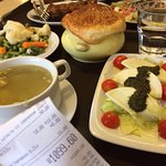Капрезе, кролик, суп, щи, ребрышки, овощной гарнир, цезарь с семгой - всего за 1000 р.