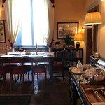 Communal lounge / breakfast area