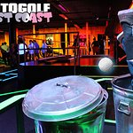 Glow in the dark minigolf with special effects and bar