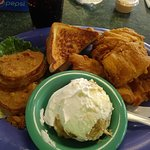 Myself and my husband had a very nice lunch at Carolinas diner. The waitresses were very nice an