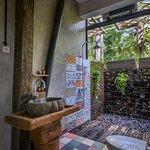 Garden Rooms bathroom
