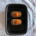 Croquetas de rabo, salsa pimentón y naranja.