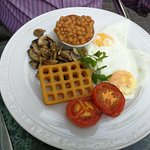 Veggie breakfast, which comes with toast and a cuppa