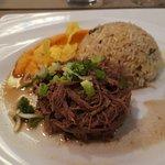 Ropa Vieja coriandre, purée de patates douces et riz