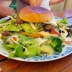 Rib-Eye-Burger von der Tageskarte