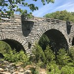 love the triple arch of Duck Bridge