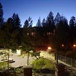 Foto de The Village Lodge