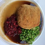 Minced Veal with fresh peas and liggenberries