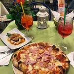 Great pizza and lovely parmigiana