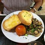 This had tofu, mushrooms, tomato, toast.
