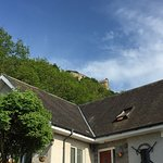 Lovely home at base of Stirling Castle - surrounded by beautiful garden and lovely footpaths