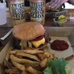 Foto de Twisted Root Burger Co