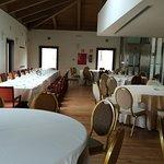 amplio salón en la planta superior para comidas, cenas concertadas.