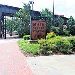 Main Street Stationの写真