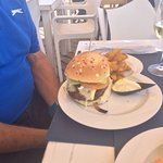 Black Angus Brie Burger 🍔 and Black Angus 🥚 Egg and 🧀 Cheese 🍔 with VB Catarina 2011 white ?