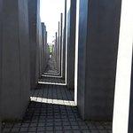 Φωτογραφία: Μνημείο του Ολοκαυτώματος
