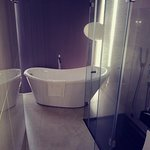 Beautiful bathroom with all ementies you may need