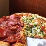 Dewey's Pizza의 사진