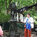 Marianne explaining the fountain