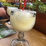 Refreshing lime margarita (the big size)