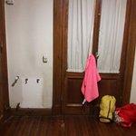 sin calefacción y sin perchero o armario