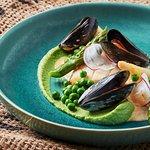 Zander, Mussels, Peas Purée, Asparagus