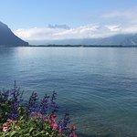 Фотография Lakeside Promenade Fleuri