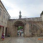 Photo de North Gate