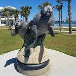 Mantee Statue