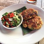 Crab cakes and salad - Thai style 👌🏽