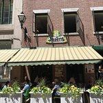 Chez Suzette (front of the restaurant)