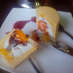 Нежнейшее суфле из манго с начинкой из маракуйи.