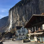 Foto de Lauterbrunnen Valley Waterfalls