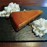 Tarta de tocino con base de almendra