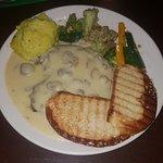chicken steak with cream and mushroom sauce