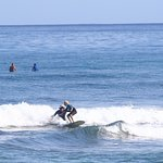 Foto de North Shore Surf Girls - Surf School