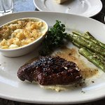 7 oz sirloin steak, asparagus, and macaroni and cheese.