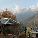 view huts (accommodation) and mountains