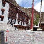 صورة فوتوغرافية لـ Hemis Monastery