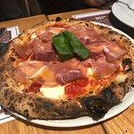 Pizza com presunto cru