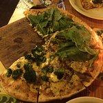 Pizza de massa fininha.