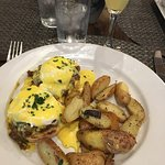 The Arizona Benedict - spicy, perfectly cooked eggs, and I even ate the potatoes - SO good!