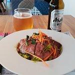 Attaque de l'entrée avec une bière japonaise