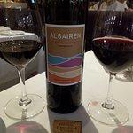 Carta de vinho possui opções variadas de preços e tipos