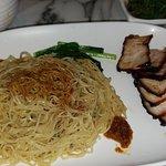 Hawker Chan Liao Fan Hong Kong Soya Sauce Chicken Rice & Noodle