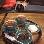 Меренга и брауни + кофе