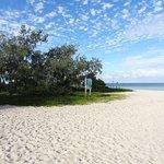 La plage de l'îlot Larégnère ( Laregnere island beach)