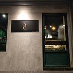 Billede af Adelphi & Co